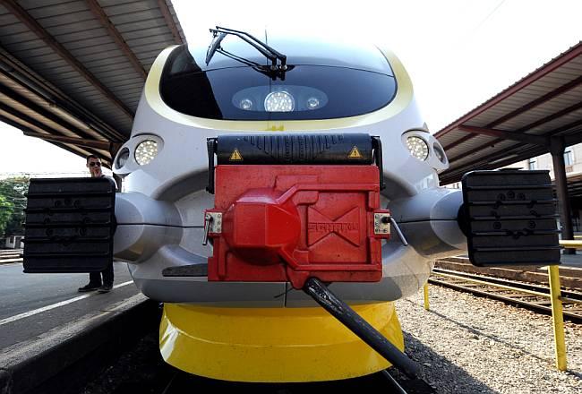 Iz Končara tvrde kako je posao izgradnje 44 vlaka, što izravno, što neizravno, zaposlio 2.000 ljudi (FOTO: Lupiga.Com)